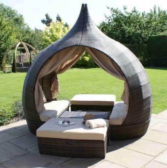Create a Festive Spirit Around with Functional Rattan Garden Furniture